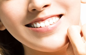 矯正で「正しい咬み合わせ」と「美しい歯並び」を